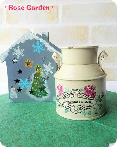 薔薇のブリキ缶とクリスマスハウス
