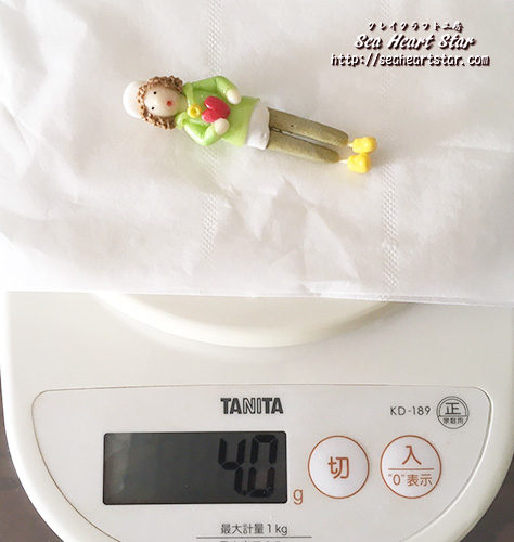 重さは約4g